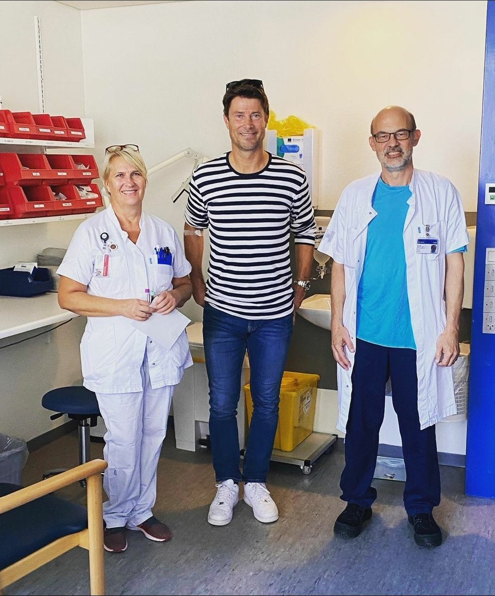 Brian Laudrup finally given the all clear after 10 years of battling Cancer. 💙 https://t.co/rWDXYPeHJa