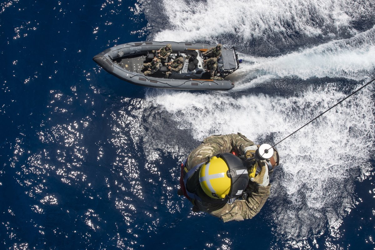 International rescue. @845NAS have primed themselves to evacuate people in the Caribbean stranded by storms with casualty evacuation training. They used @RFAArguss flight deck and worked with @47CdoRM in a range of rescue scenarios. 🔗 Read more: ow.ly/Idpg50BrgoV
