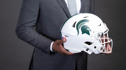 #TakeYourPickTuesday Take your pick Spartan fans? The ❄️ white helmet or the classic dark green? Retweet for THE ICE❄️  Like for THE CLASSIC #GoGREEN💚 https://t.co/13NwQVFLYU