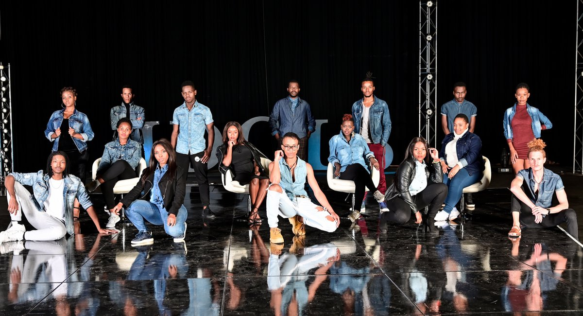 No live audience as #IdolsSA commences to live shows https://t.co/4bPqPUidcK  @IdolsSA @Mzansimagic https://t.co/8agB8ljacF