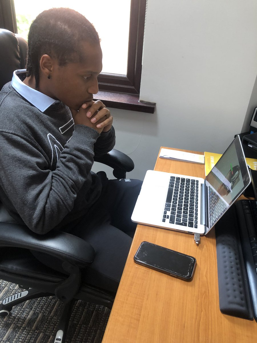 Our intern Carlos delivering an session online today. Bravo to Carlos