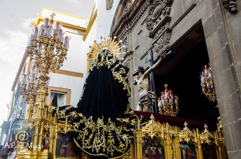 .@hdaddesantacruz un #MARTES más cerca #SemanaSantaSevilla #MartesSanto #SemanaSanta #Sevilla #SantaCruz https://t.co/nkBDcyxII1
