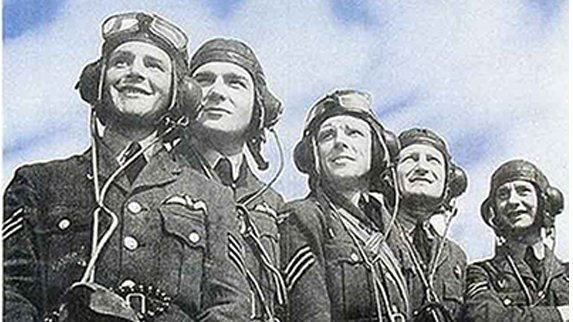 Today we honour all those who served in the Battle of Britain 80 years ago, defending our shores and the world against tyranny.    These are the few to whom we owe so much. They will not be forgotten.   #BattleofBritain80 https://t.co/uXCqV7waxb