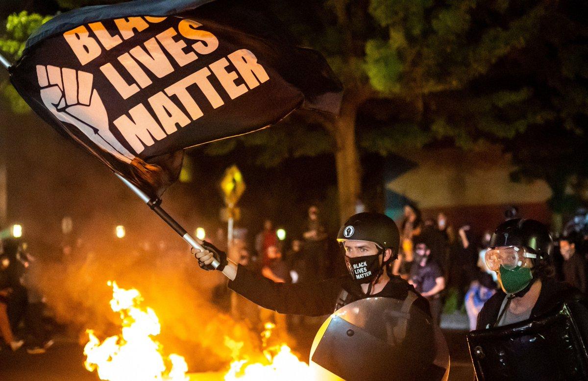 They want JUSTICE, but not war ! - #BLACKPINK #BlackLivesMatter #Portland #MinneapolisRiot #Riots2020 #Anonymous #America #Trump #racialinjustice #justice #racialprofiling #racialinequality @OccupyWallStNYC @Mvmnt4BlkLives @YourAnonNews #Washington #California #DonaldTrump https://t.co/7b0uiWwGNP