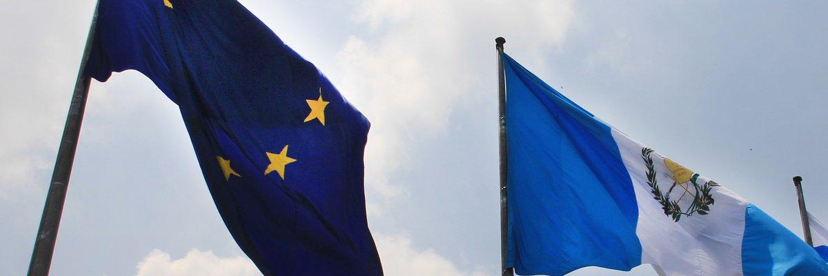 La Delegación de la Unión Europea felicita a Guatemala por el aniversario 199 de Independencia. Guatemala 🇬🇹 y la Unión Europea 🇪🇺 #JuntosporlaPaz  #CooperaciónUEGT #DíadelaDemocracia https://t.co/4kgLpzssK4