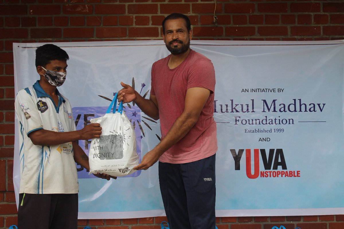 Pass the parcel and #GiveWithDignity. This Diwali, join in on the #PANindia mission, enabled by@_mukulmadhav and @UnstoppableYUVAto distribute grocery kits to those who have lost their livelihoods:bit.ly/351lHZOGlad to flag off in Baroda with @iamyusufpathan!