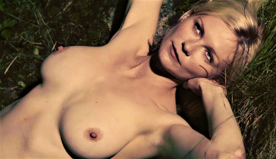 Kirsten Dunst – Melancholia (2011)  – Naked Celeb