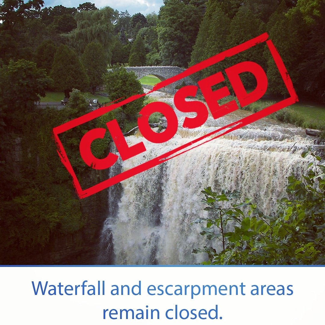 A reminder that Spencer Gorge Conservation Area, that includes the Dundas Peak, Tew Falls and Webster Falls is currently  closed. A plan for reopening this area will be announced shortly. No Trespassers. Parking in these areas can result in a $250 special enforcement area fine https://t.co/7w6DadaHGV