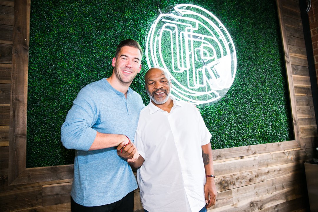 New episode of @hotboxinpodcast tonight at 6pm with @LewisHowes https://t.co/5fSdOG0gwM