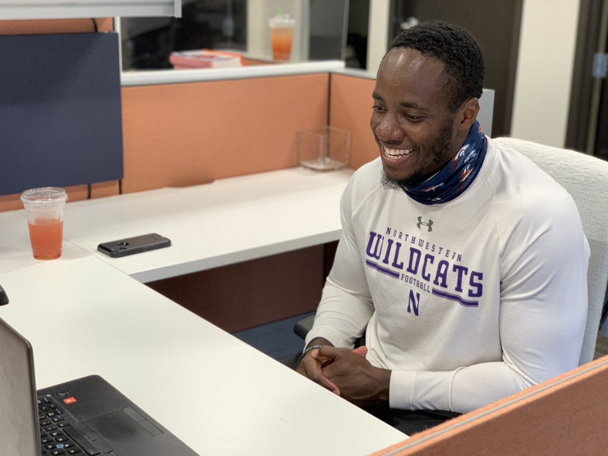 We knew this already but we just want to inform everyone else:  @FamilyMan_Joe43 is the BEST!   The @Broncos LB does 𝐰𝐞𝐞𝐤𝐥𝐲 virtual calls with @ChildrensColo patients.   #CatsGiveBack | 📸 @BroncosOffField https://t.co/dPFSccLlvY