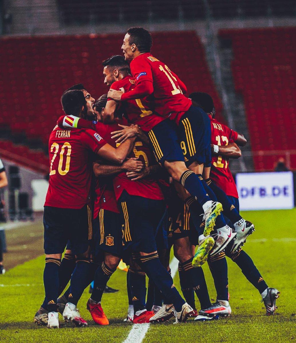 Gran esfuerzo equipo ⚔️ Nunca nos rendimos 🔴🟡🔴 #españa🇪🇸 #sefutbol #somosespaña #vamosespaña