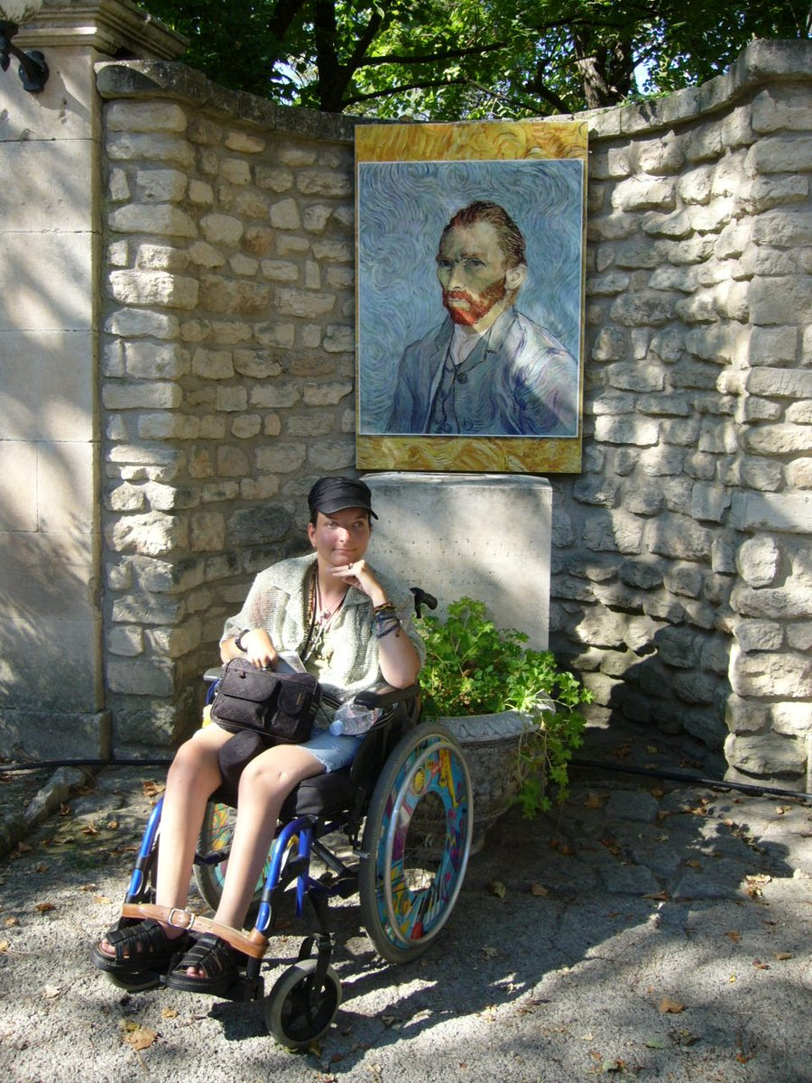 This small town St Rémy de Provence is located in the center of Provence region (southeast of France).  And for more, it is connected with phenomenon that is Vincent Van Gogh ✨  https://t.co/ZXXxkzCKv0  #legendary #painter #Vincent #hospital #disability #access #stremy #provence https://t.co/84KDAZm8s4