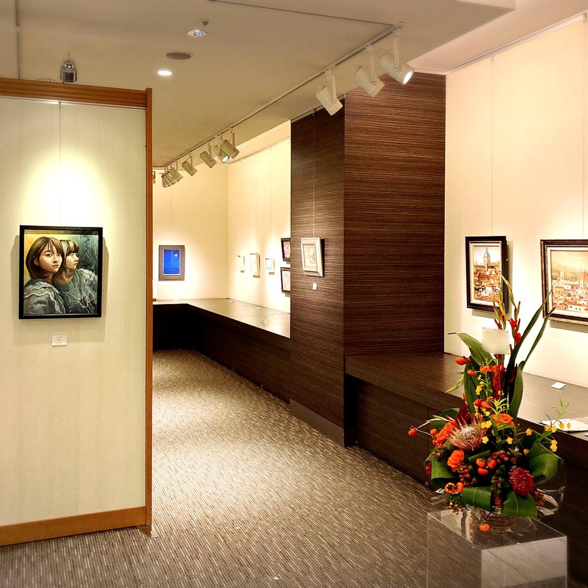 【北海道ゆかりの新世代作家による美術展「サッポロ未来展」開催✨】  8階 美術画廊では、北海道の芸術文化の振興を図ることを目的に発足した「サッポロ未来展」開催🥰✨若手作家による芸術の世界をお楽しみください♪  詳しくはhttps://t.co/5GpT6qxPoQ  9/8(火)17時閉場  #大丸札幌  #サッポロ未来展 https://t.co/wv4PVJzrwx