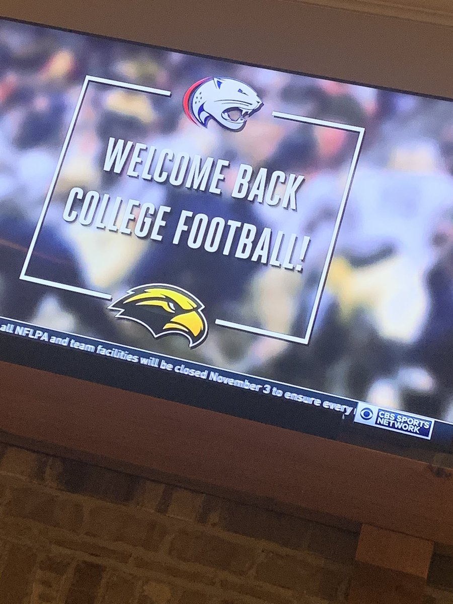 Football is back and I am soooooo EXCITED! #SMTTT @WeAreSouth_FB @CBSSportsNet #CollegeFootball #Mississippi 😃🏈