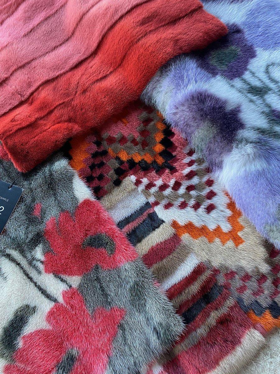 New way of using mink @sagafurs FUR VISION #infurmagazine #infurmag #fashion #furs #fur #furfashion #ootd #wow #fashionstyle #inspo #vision #styleinspo #wiwt #trends #furdesign #mink #intarsia #design #designtechnique  #graphic #development #craftsmanship #natural #sustainability https://t.co/DWOLseVHs6