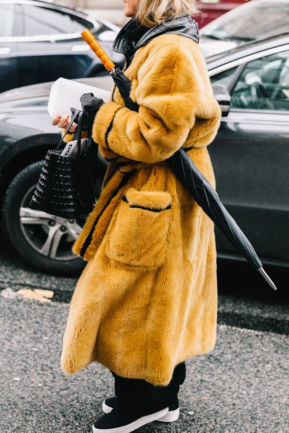 Rainy day, but make it fashion ☔  #infurmagazine #infurmag #fashion #furs #fur #furfashion #ootd #stylefashion #fashioninfluencer #streetstyle #streetfashion #furlove #furcoat #wow #mink #rainyday #inspo #fashionweek #fashionstatement #styleinspo #wiwt #new #trendy #urbanlife https://t.co/zaC0xgzNAX