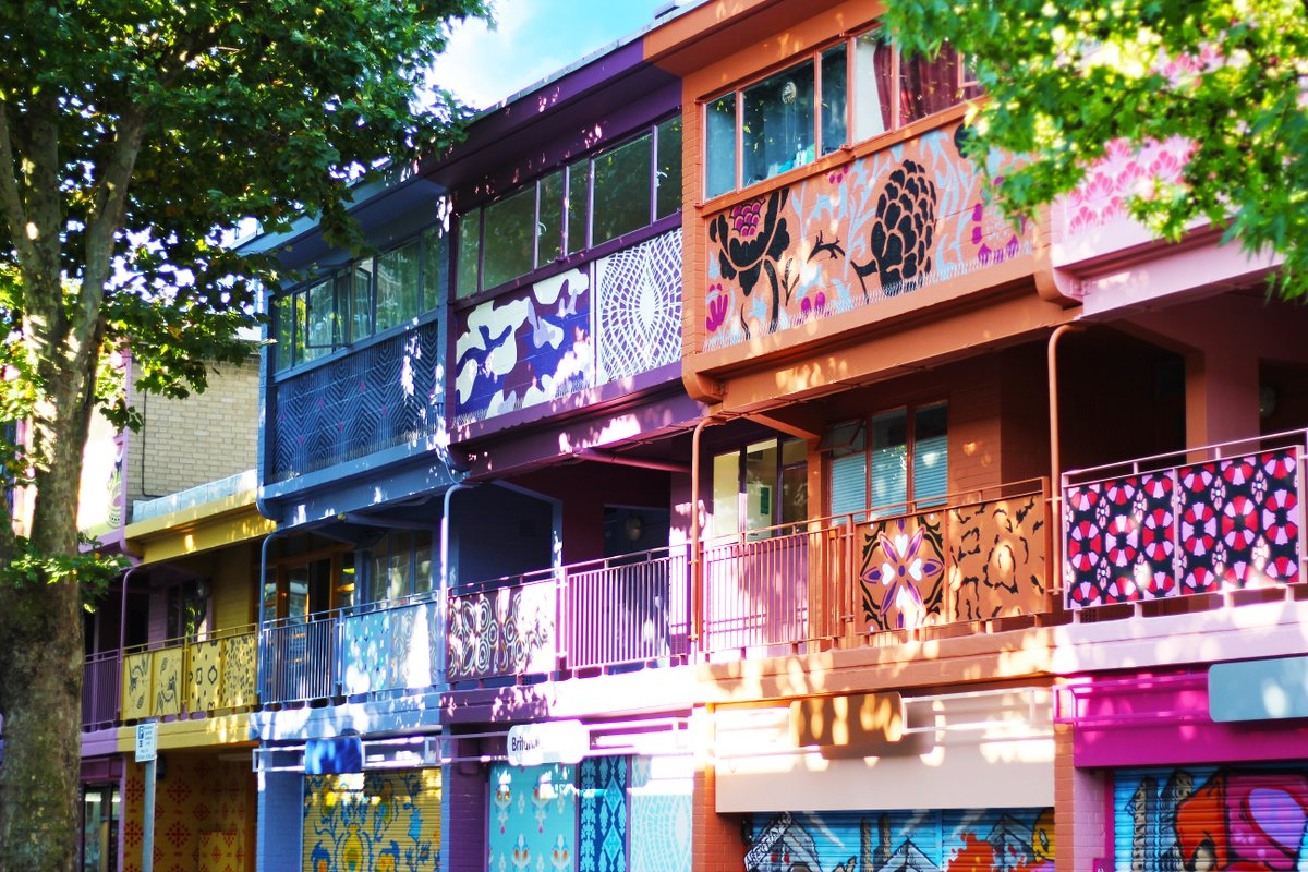Want to learn about the story behind #AberfeldyStreet, one of the most colourful streets in London? Join @JanKatteinArch for a walking tour of the street at @openhouselondon 19-20 Sept https://t.co/XVFAtHGJjN https://t.co/nGY1vVM3xS