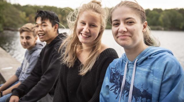 In den #Herbstferien noch nichts vor? #mitmachen #weitersagen #machgruen! #Feriencamps #Jugendliche entwickeln eigene #Ideen für eine nachhaltige #Zukunft und setzen diese handwerklich um @LIFEeVBerlin #Nachhaltigkeit #grueneArbeitswelt #Handwerk #Spass https://t.co/7RVQwaFEB9 https://t.co/DExCigY18u