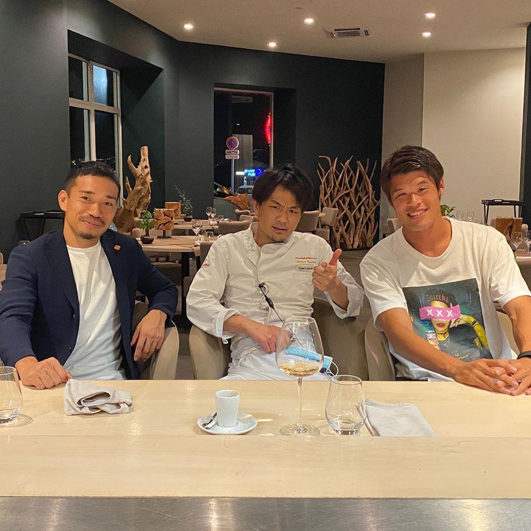 ⚪️🔵✖️🇯🇵 マルセイユで活躍する日本人シェフ上村一平さんと📸  インスタグラム: uemura_ippei https://t.co/5WUBGdibDr