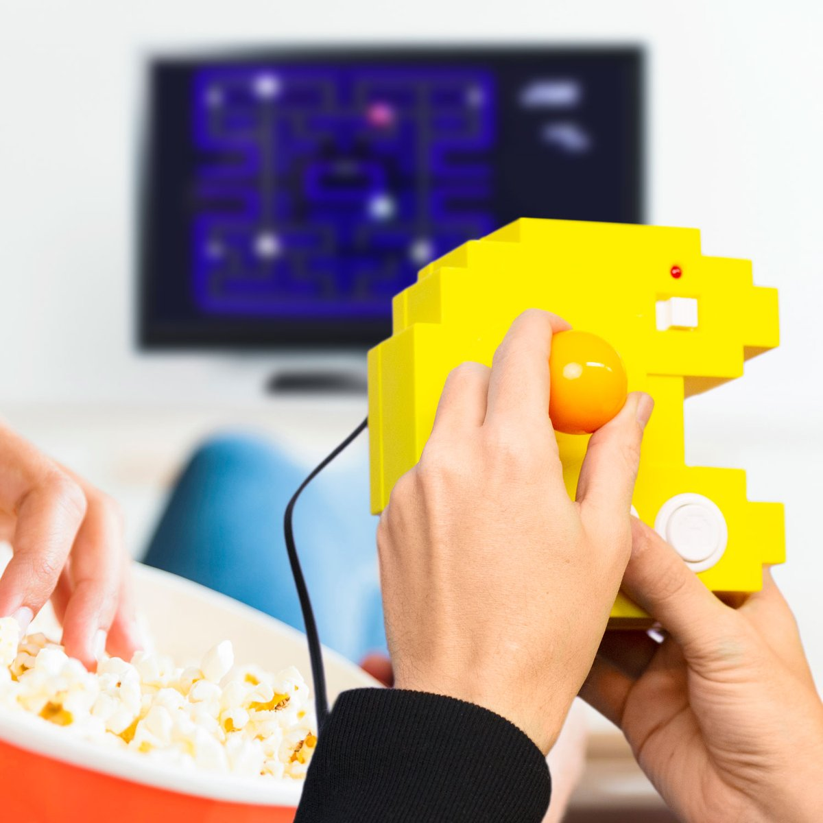 Hey PAC-MAN fans! While at home pass the time with 12 of your favorite retro games on the PAC-MAN Connect and Play! Grab yours now at  https://t.co/CzvVJsA2Xo!   https://t.co/TehyhOpq1W   #BandaiAmerica #PACMAN #ConnectAndPlay https://t.co/WUUn8FXsEh