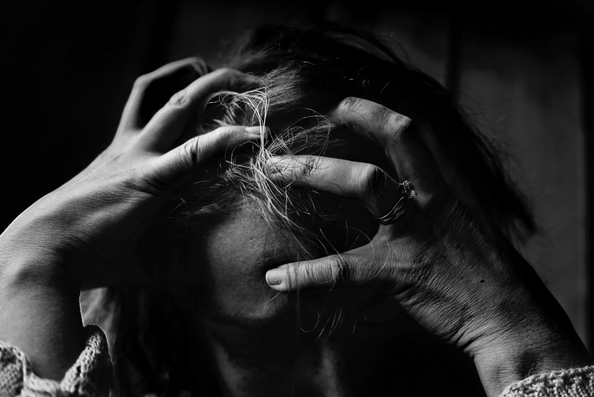 If you feel like you or someone you know is suffering from this, here are some of the resources to turn to: https://t.co/QK0vtv10op Follow my blog as well: https://t.co/2yMP1sR0Rx  #TalkHatsOn #MentalWellnessForAll #CamH #worthycause #ProudSupporterOfCamH https://t.co/jFYyu2wfZ3