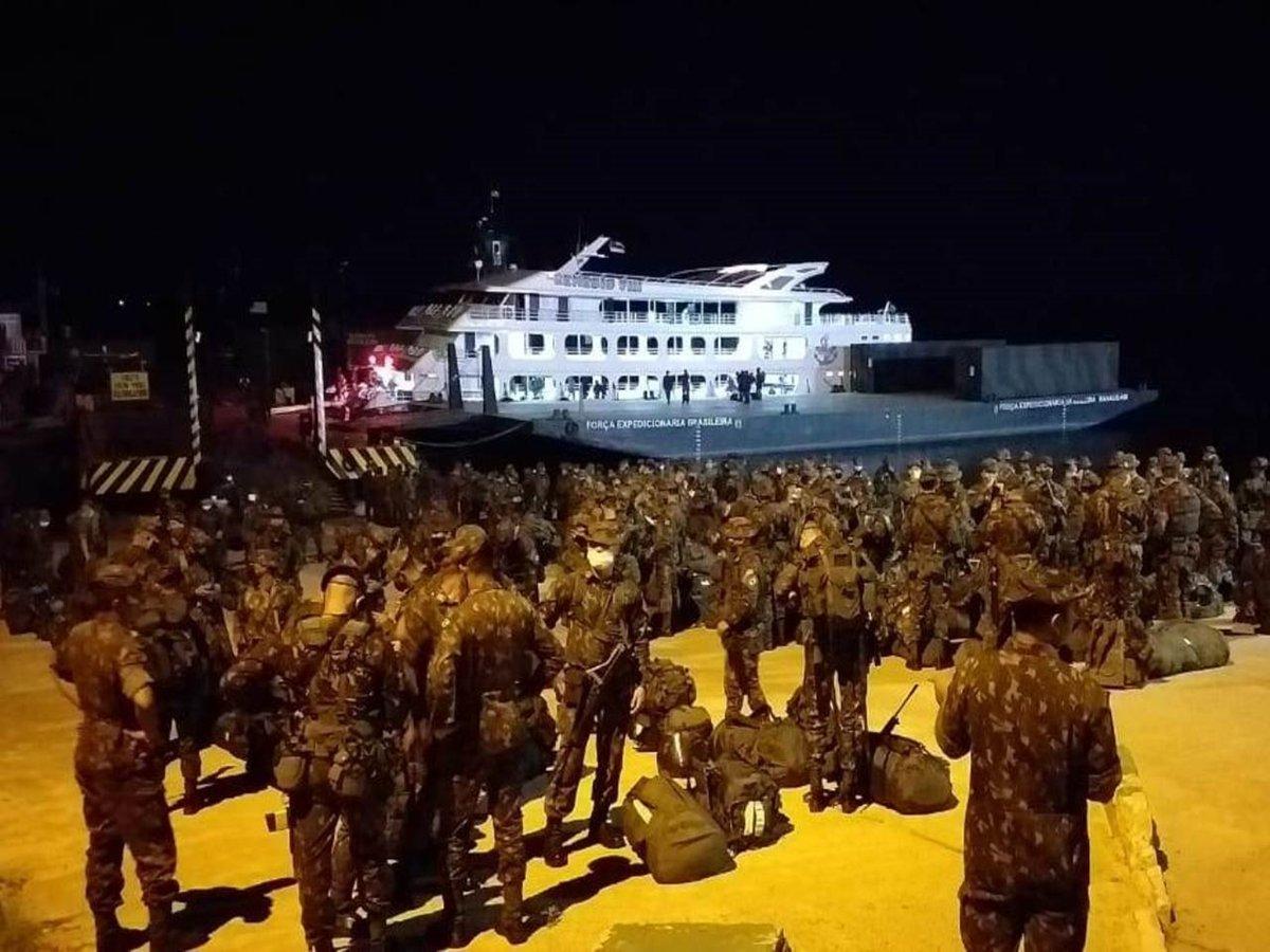 #CombateNaSelva - A 2ª Brigada de Infantaria de  Selva já desembarcou em Manaus/AM para a #OperaçãoAmazônia. A tropa conta com militares do 5º BIS, do 3º BIS, do 2º B Log Sl, da Cia C 2ª Bda Inf Sl, da 21ª Cia Eng Cnst e do 2º Pel Com Sl. Veja mais: https://t.co/0uGNaNSIGg https://t.co/2rRnz32xjZ