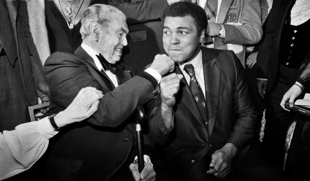 """Heavyweight History on Twitter: """"Two #legends: The great Jack Dempsey puts  a right hook on the chin of the great Muhammad Ali, circa 1979.  #Heavyweight #Heroes #Boxing #Icons… https://t.co/Dq8EeYp6ud"""""""