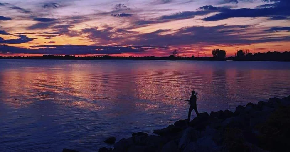 One more cast. 🎣  Share your Pure Michigan adventures with us using #OnePureMichigan.  📸: Instagram fan michigan_by_annmarie  #PureMichigan #VisitDetroit #DepicttheD @VisitDetroit https://t.co/pdbGcgruhA