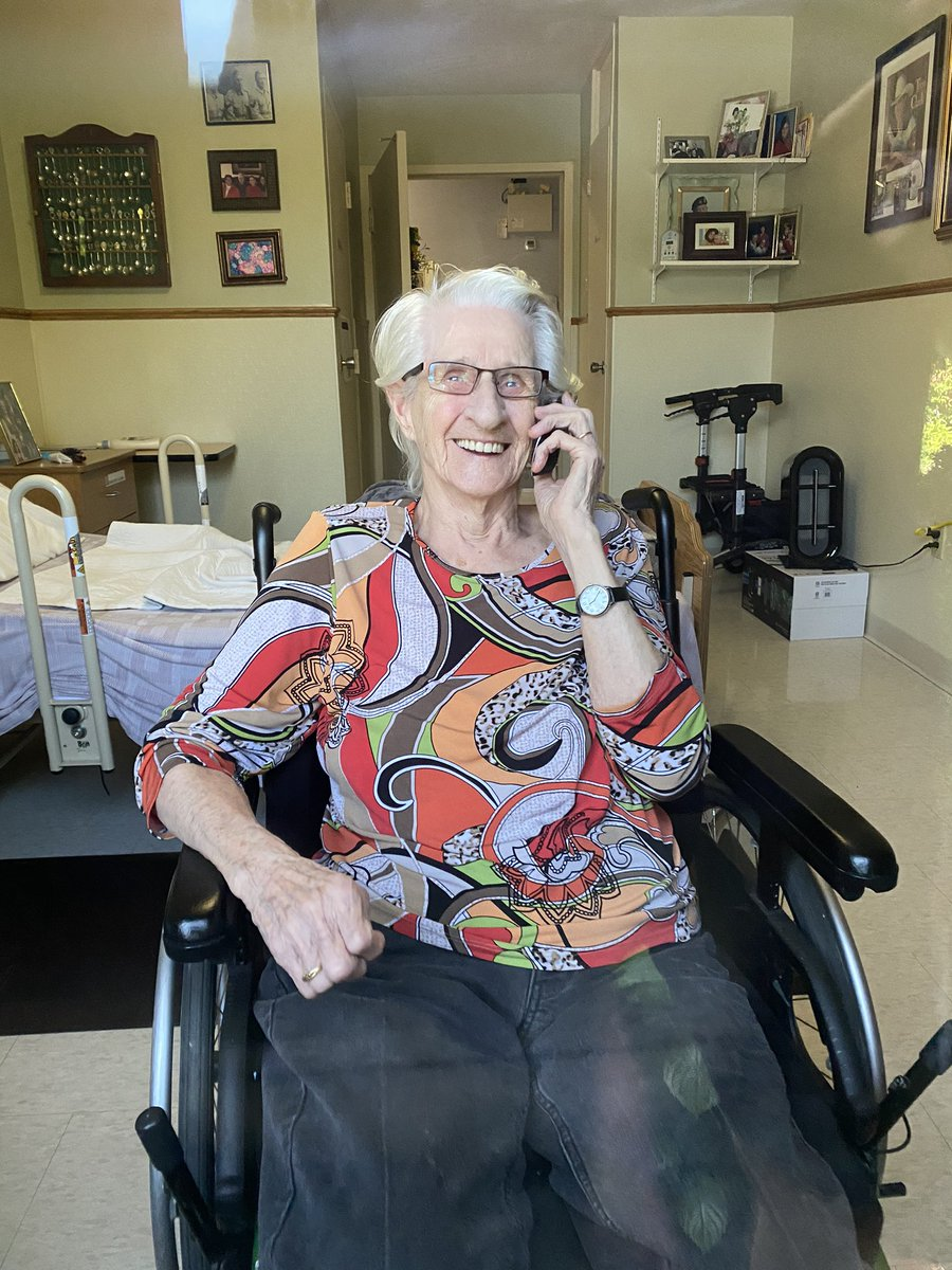 Many phones down at Carressant Care nursing home for over a week on Mary Bucke in St Thomas, Ontario.  Multiple requests to @RogersHelps & they won't fix. These folks depend on land lines as their only family lifelines. @CBCNews  please help.  This is my nanny. #haventhadahug https://t.co/yFg3w3nWbF