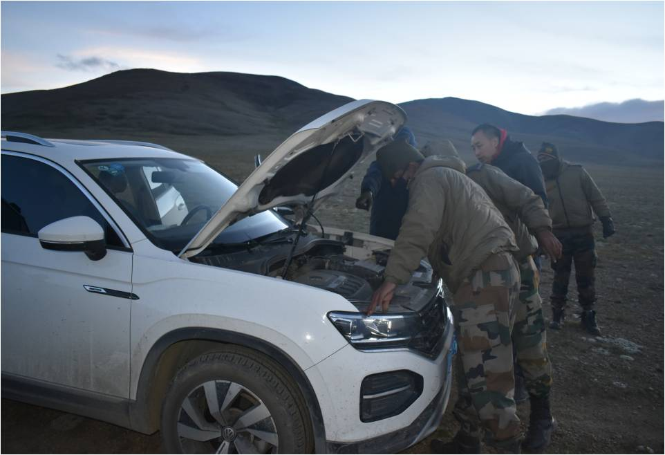 Indian Army rescues Chinese Citizens in North Sikkim