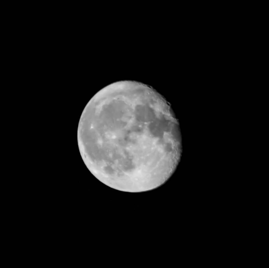 The moon tonight in #blackandwhite #blackandwhitephotography https://t.co/sKoKMVOFjC