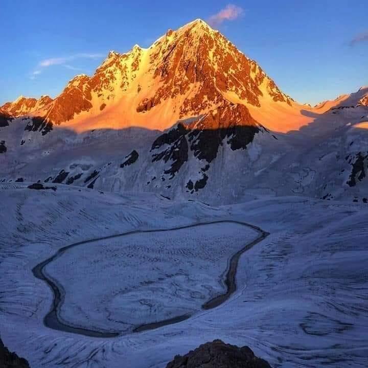 Khapro Lake, #Pakistan in winter seasons 🇵🇰#BeautifulPakistan #photography #NaturePhotography #naturelover #beautifulworld #Tourism https://t.co/40qexFoUX7