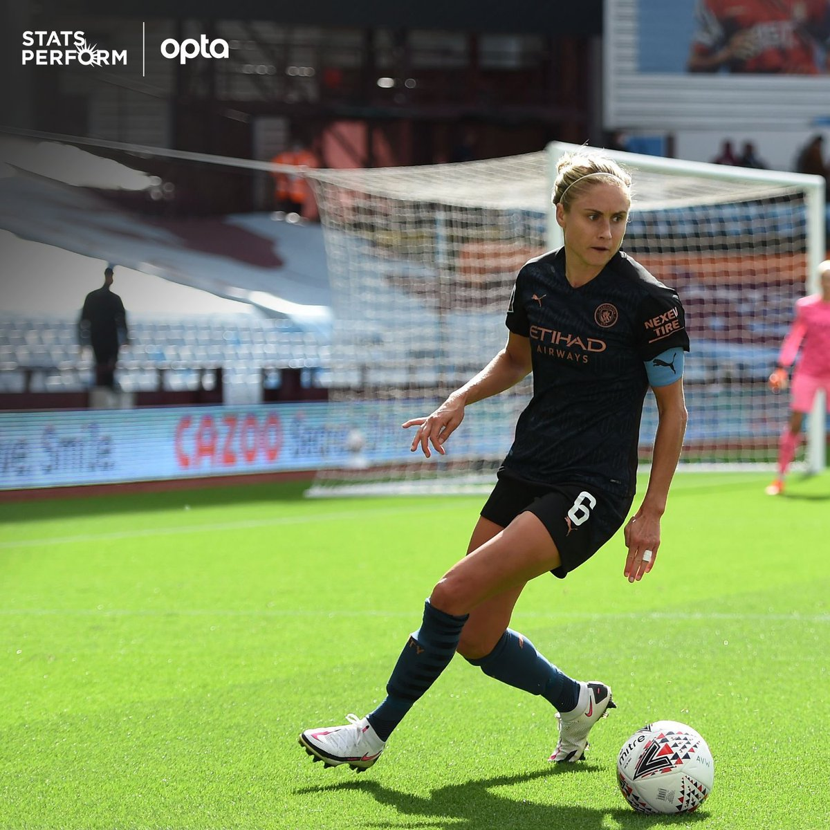 100 – Steph Houghton has become the first player in @BarclaysFAWSL history to register 100 victories, doing so in just 140 appearances. Landmark. https://t.co/slIdAxHMmG