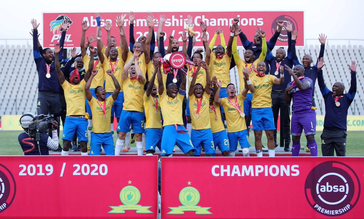 Congratulations @Masandawana on a 10th league title in the PSL era and @TheRealPitso on a fifth league crown! 🏆  #AbsaPrem #Nakanjani https://t.co/XCJt41OZpU https://t.co/jkRSr3BR7F
