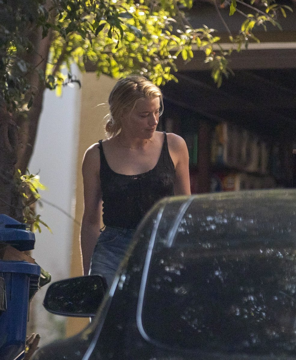 Amber Heard Italia Galleria On Twitter Hqs Amberheard Arranging Her Car In Front Of Her House In Los Angeles September 2 2020 Https T Co Pu4h5iuosq Https T Co Dt4ah9xixf