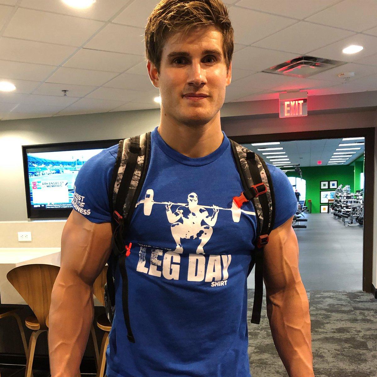 Leg Day or Arm Day? https://t.co/tC0GACuWxr