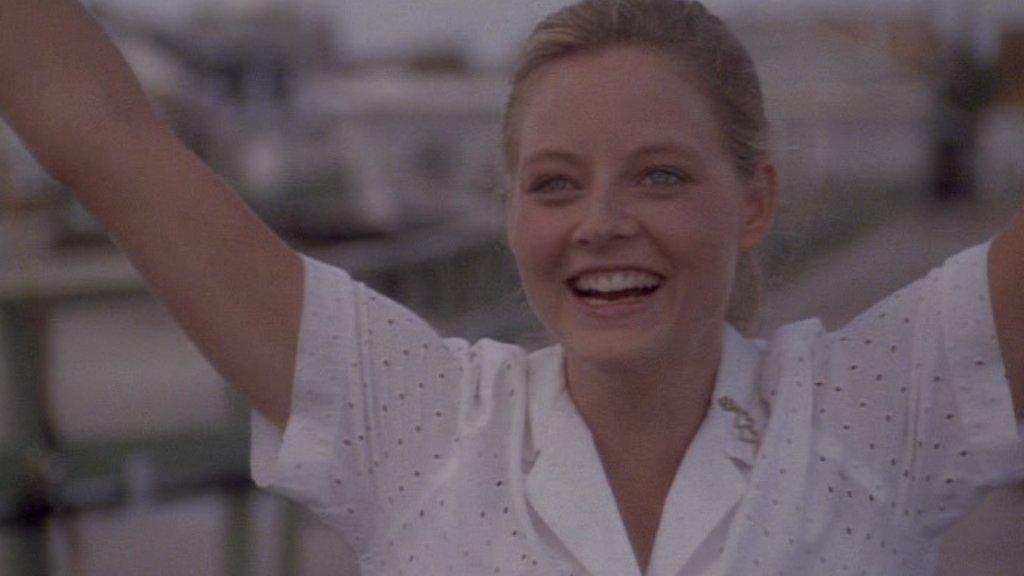 【君がいた夏】ジョディ・フォスターと富田靖子がおれの女神だったんだ映画は88年の作品ですが【告発の行方】と同年ですあちらは心が引き裂かれるような作品ですが同じ年のこの映画には救いを感じますあと主人公の親友役のハロルド・ライミスにホッコリ #映画好きと繋がりたい