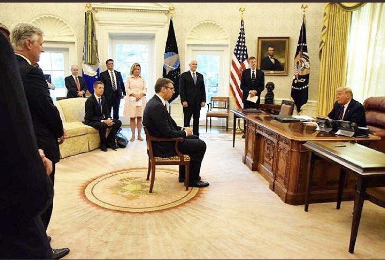 Sırbistan cumhurbaşkanı resmini görünce tek benim mi aklıma geldi ?   Anladın sen onu... https://t.co/QAhC3OKhgI