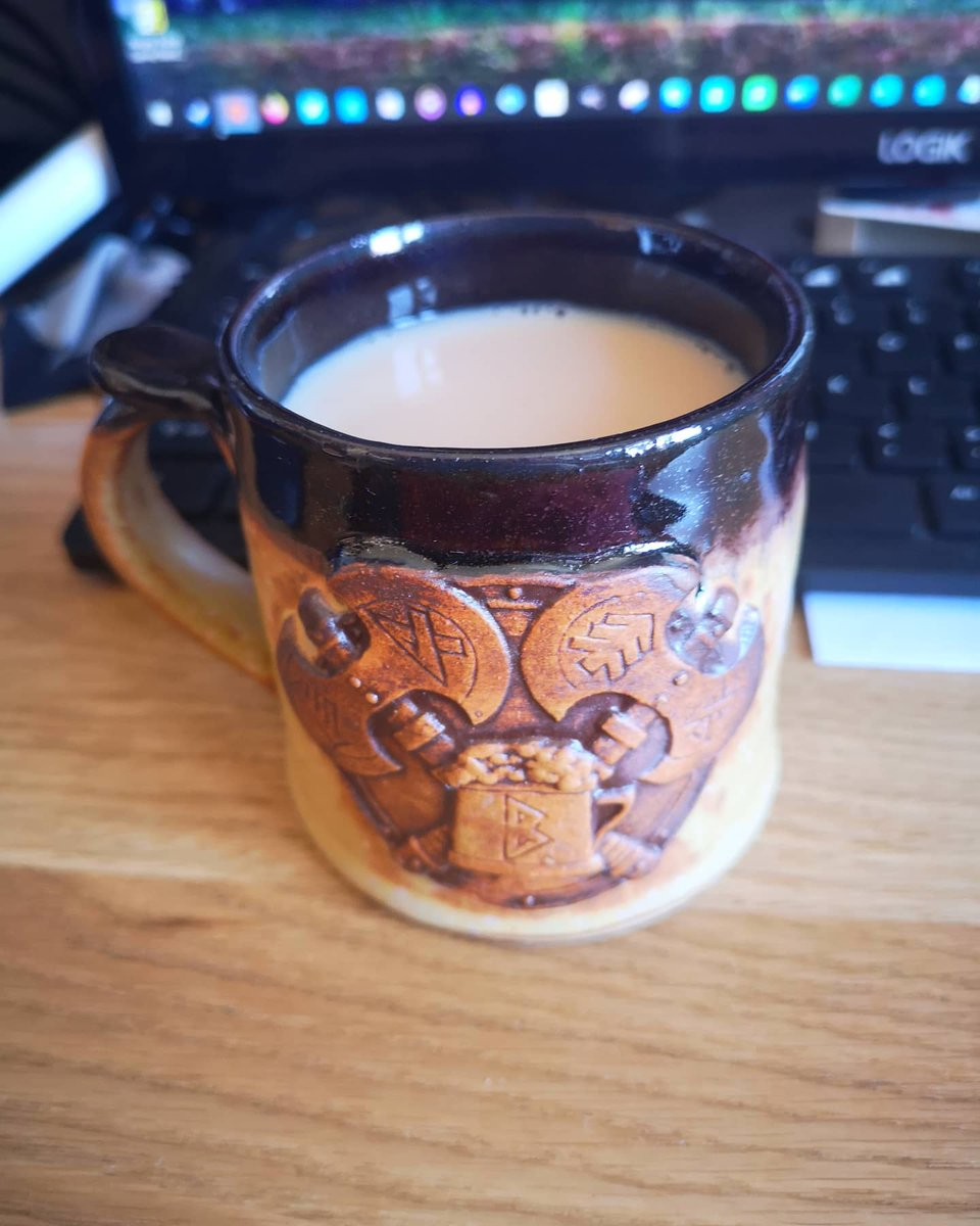 "Today's drinking vessel of choice... My Josef Bugman ""pot"" cup which I got many years ago when I visited Warhammer World, I got it from Bugman's Bar. #gamesworkshop #josefbugman #bugmansbar #dwarfs #darfbrewer #duardin #duardinbrewer #warhammer #warhammerfantasybattles https://t.co/nqj2r3vFXi"