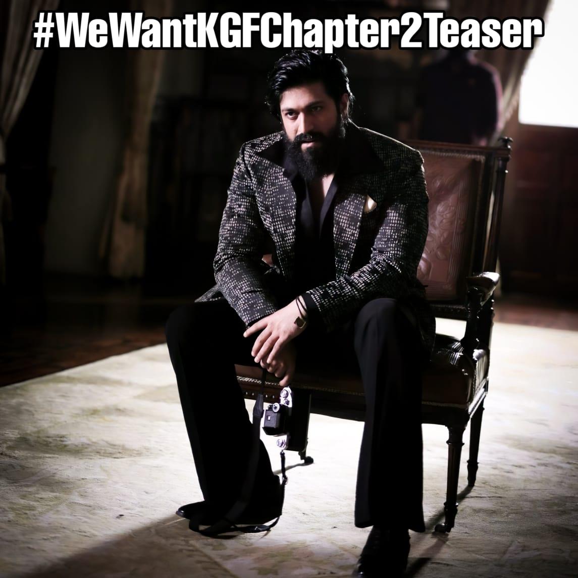 Team @hombalefilms Please Release #KGFChapter2 Teaser   No updates From Past 10 Months   Release Date also Nearing .......  @prashanth_neel Sir 🙏  #WeWantKGFChapter2Teaser l @TheNameIsYash https://t.co/8PbAnXvU18