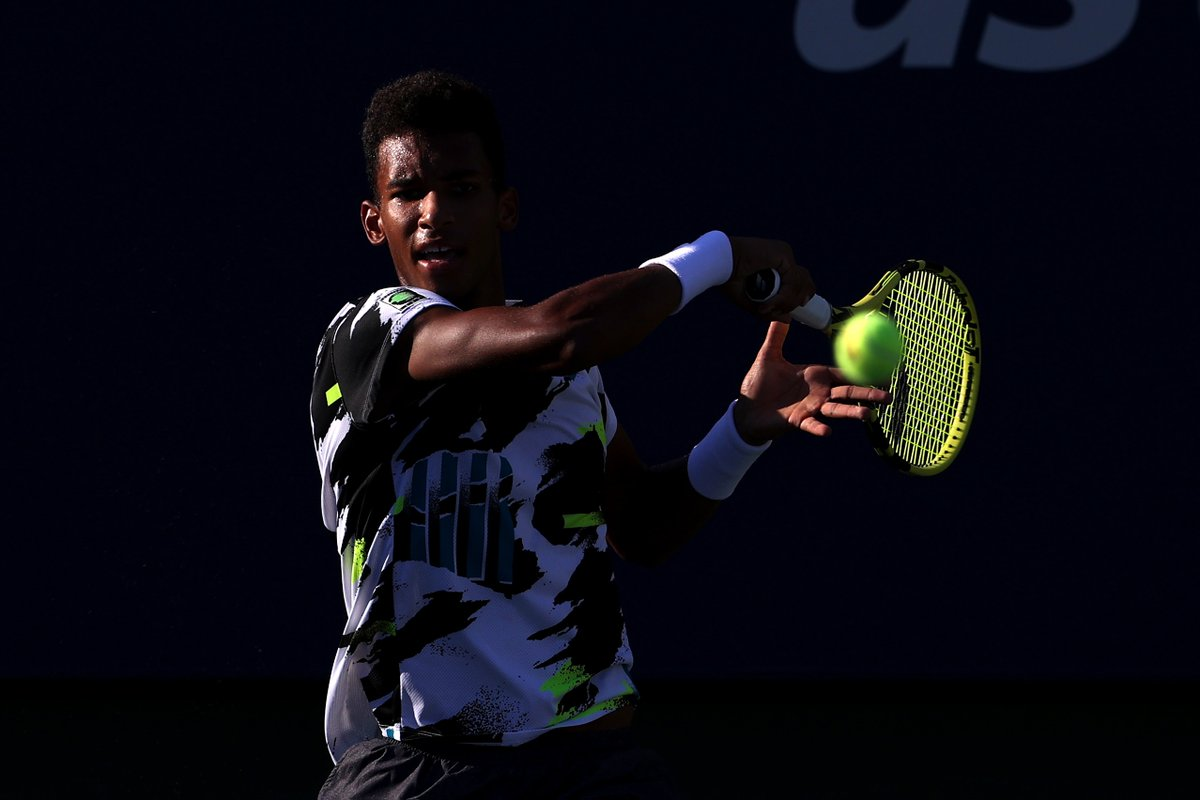 The 1⃣st player born in the 2000's to reach a Grand Slam R4! 🔝  @felixtennis cruises into R4 with a straight-sets win over fellow #NextGenATP player Moutet.  #SeeTheFuture #USOpen https://t.co/POmkpwjoGT