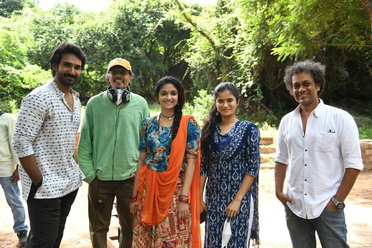 Super happy to announce that the shoot for #goodlucksakhi is now completely WRAPPED as of yesterday ❤️ this was one beautiful roller coaster ride .  @KeerthyOfficial @AadhiOfficial @sudheerbza @ThisIsDSP @chirucam #nageshkukunoor https://t.co/W1P8d3Cxwi