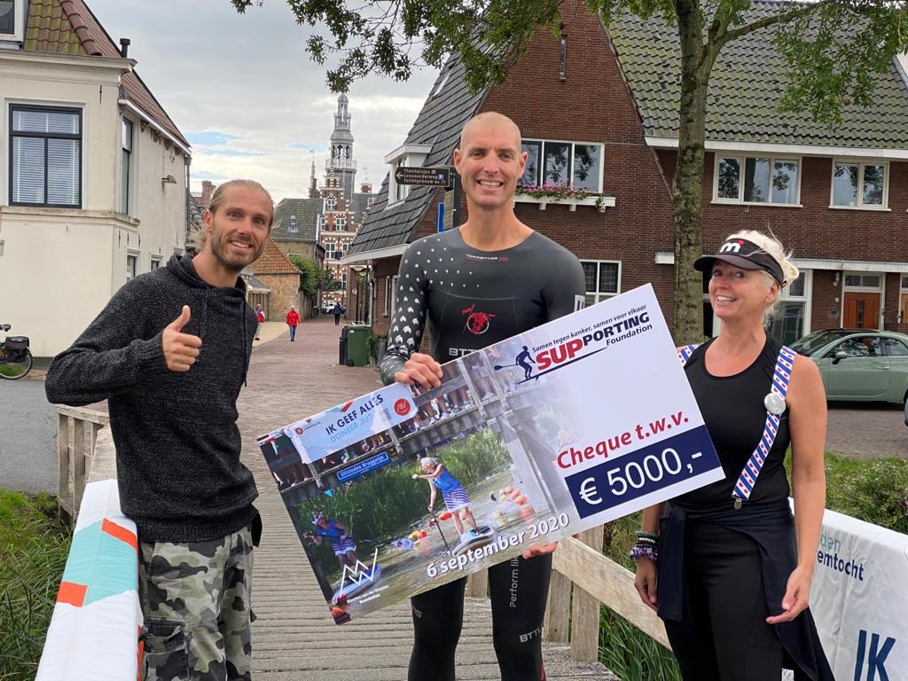De SUPporting Foundation 'supte' voor onze Foundation maar liefst €5.000,- bij elkaar. Super bedankt! 🙌 #supporting #sup #suppen #mvdwf #kanker #optimalehulpvoordepatient #100procent https://t.co/coTMdE3DST
