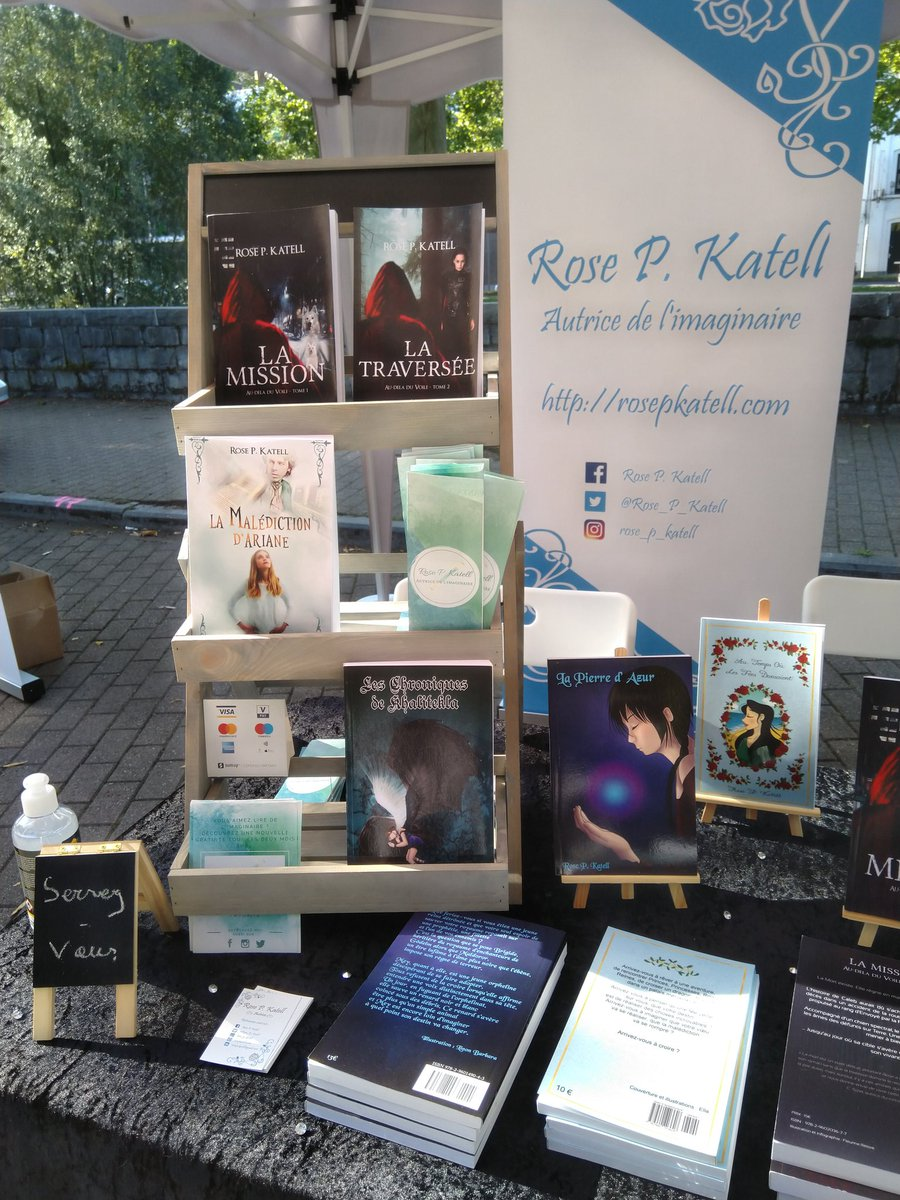 La foire du livre de Verviers, ça continue  jusqu'à 16 h ! ✨😁✨  #Salon #FoireDuLivre #Verviers #Vesdre #Autrice #Imaginaire #SFFF #Contes #AutoEdition #AutoEditée #Livre #Roman #Rencontre #RendezVous #Dimanche #Sortie #Balade #Promenade https://t.co/EQZdRbxB40