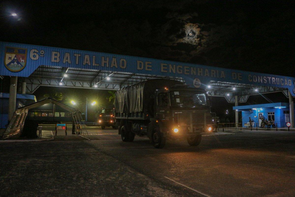 #OperaçãoAmazônia contará com efetivo do 6º Batalhão de Engenharia de Construção. A tropa iniciou seu deslocamento de Boa Vista/RR para Manaus/AM nesta semana. Ao Braço, Firme!!! Acesse: https://t.co/0uGNaNSIGg https://t.co/z2MCHQaYN9