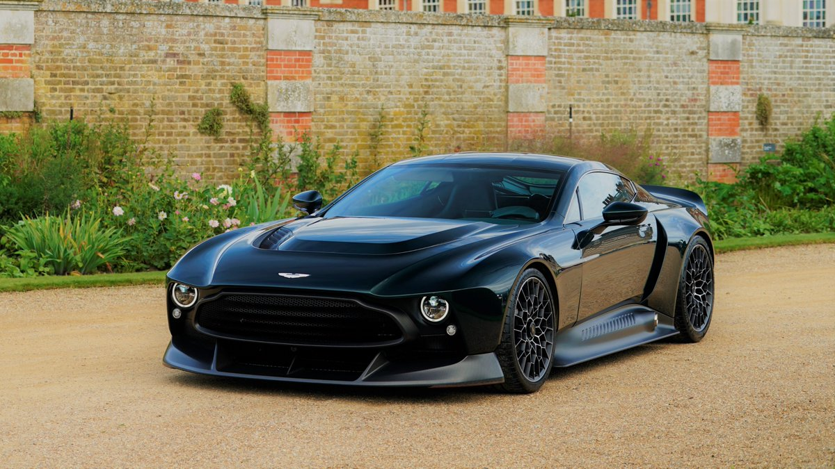 Aston Martin Auf Twitter Star Of The Future Unveiled Last Week The Brutishly Bold Aston Martin Victor Has Won The Future Classics Class At Concoursuk Which Was Held At Hampton Court Palace