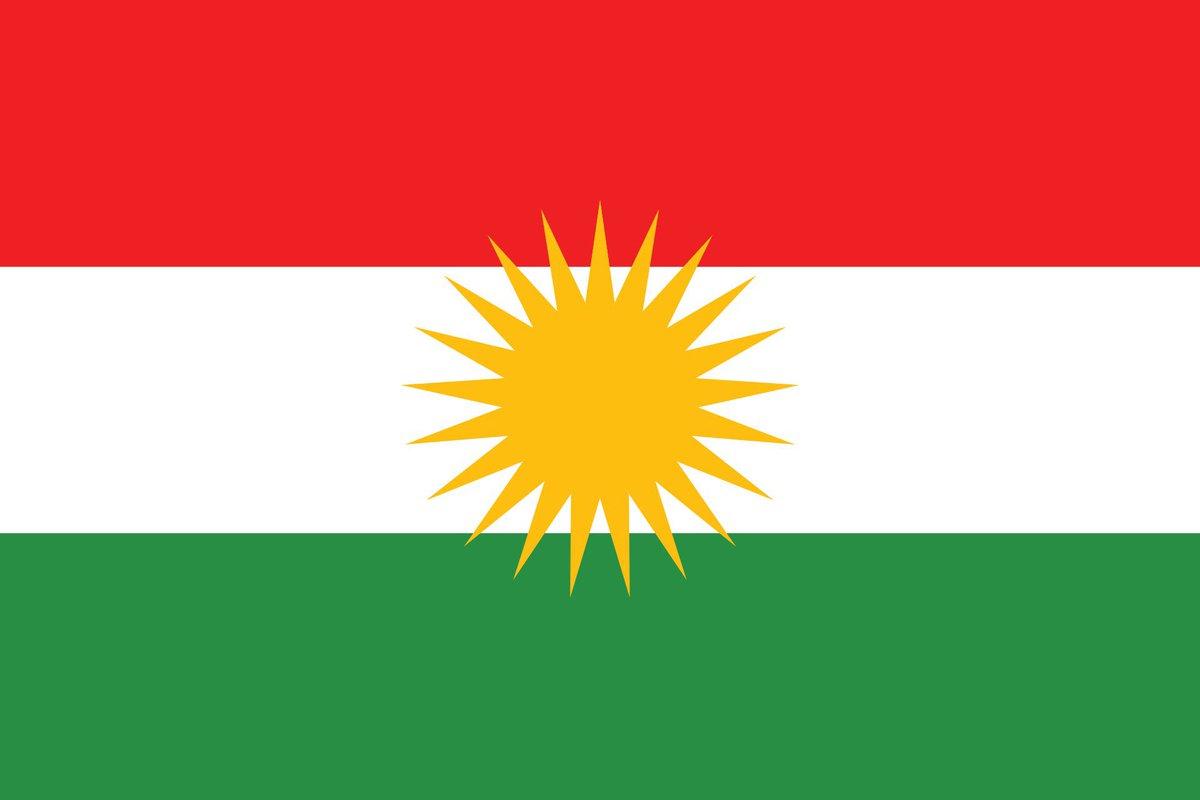 Paçavra denilen bu bayrak, Irak Anayasası'nda tanımlanan Kürdistan Bölgesel Yönetimi'nin resmi bayrağıdır. Bayraklar, her halkın ve o bayrak altında yaşayan yurttaşların onurudur. Bayrağa hakaret toplumsal barışa düşmanlıktır, kabul edilemez. https://t.co/VCU8GUrxWv