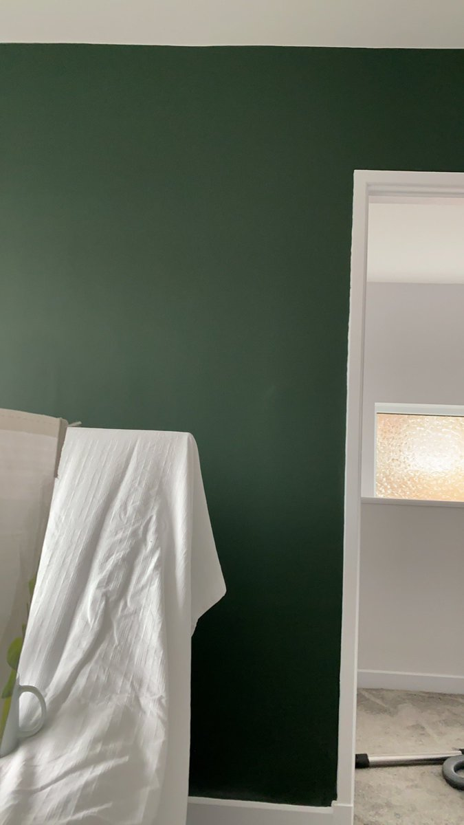 @MissMills1M Love that green. I have a similar green in my bedroom.