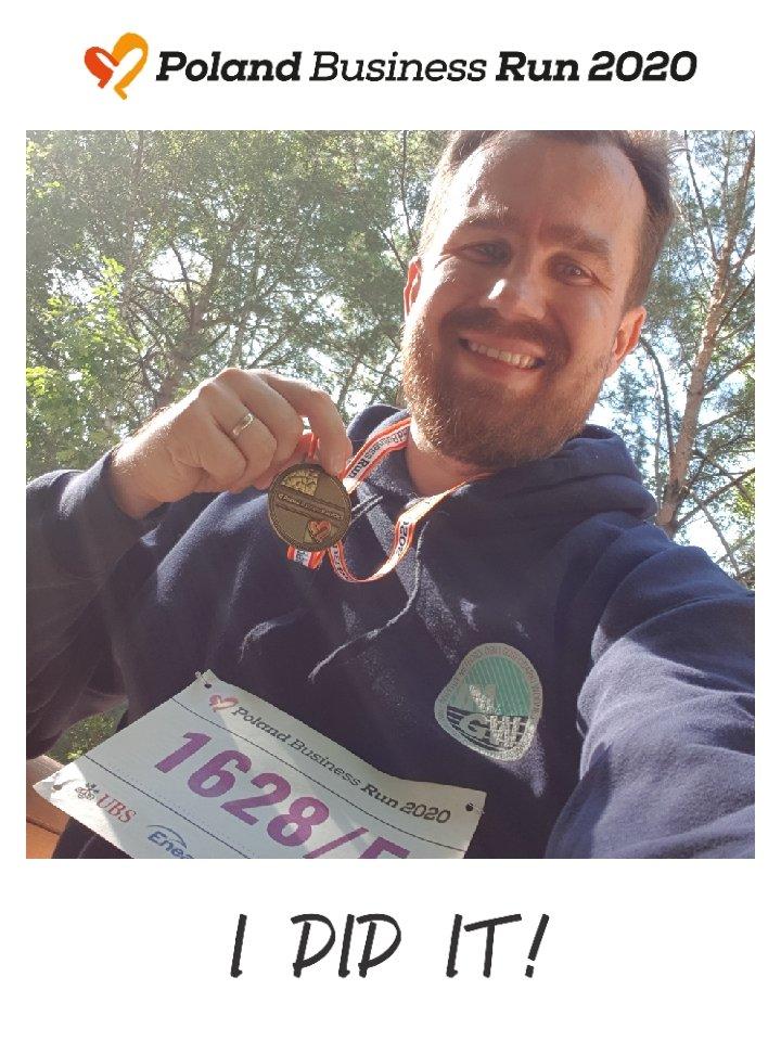 Ekipa hydrologów z  @IMGWmeteo biegnie dziś w #PolandBusinessRun. Ja swoją część sztafety ukończyłem rano w Lasku na Utracie #Targówek #Warszawa wzdłuż Kanału Bródnowskiego.  Miło jest pomagać! Pogoda wymarzona do biegu!   #IMGW #PBR #run #bieg #chok #hydro https://t.co/KUnTgC5L0c