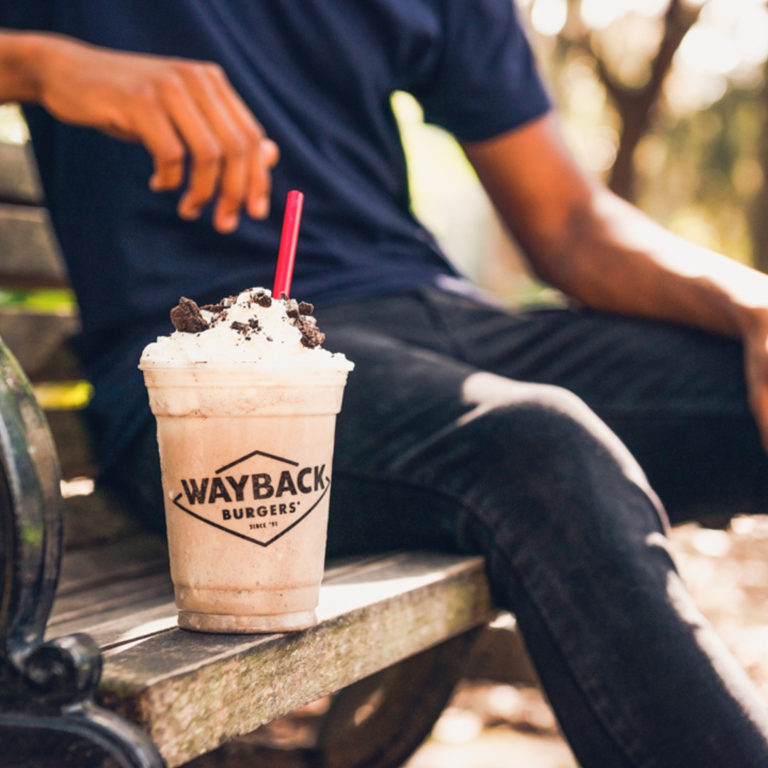 It's Shake Sunday! This weekend only, get our hand-dipped milkshakes for $2.99 on the Wayback app.   One per person per day. Participating locations. Restrictions apply. https://t.co/exFejE0sAY